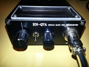 Front panel of modified KN-Q7A. The tune knob on the left is now the rotary encoder for the DDS. The additional toggle switch is the memory selector for the DDS.
